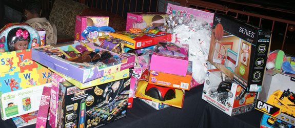 HABJ joins Black Professional's Association for Holiday Social and Toy Drive at House of Blues